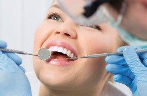 Отбеливание зубов: сколько держится, какими методами можно осветлить эмаль и надолго ли хватает эффекта?