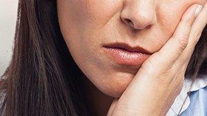 Сколько времени приживаются импланты зубов после их установки: долго ли длится процесс срастания с костью зубного штифта, как избежать отторжения?